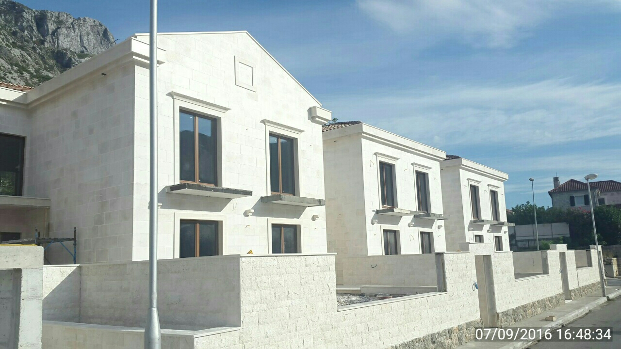 During the installation of doors and windows in the tourist resort Dobrota